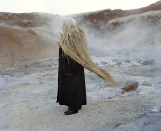 Eyes as Big as Plates # Edda (2013) av Karoline Hjorth & Riitta Ikonen