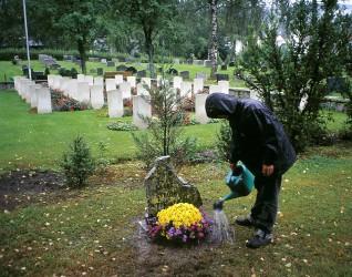 """Kamin Lertchaiprasert, """"Flere steder for alltid"""", 2003,"""