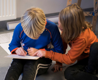 Fra Filosofi med elever. Er det alltid galt å stjele? (5. klasse v/Grefsen skole. Foto Nasjonalmuseet /Annar Bjørgli